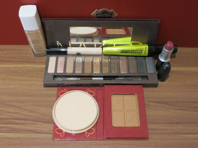 Youtube made me do it beauty cosmetics urban decay naked pallette