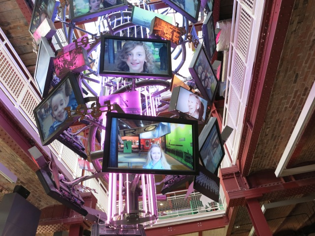 MOSI TV screens