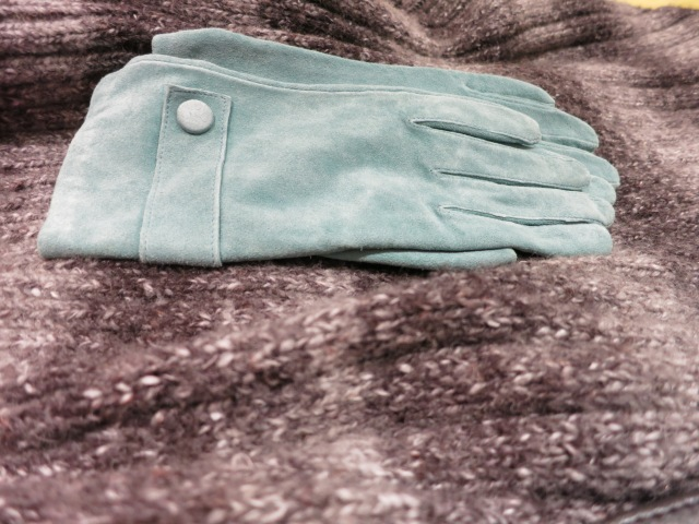 Accessorize light blue suede gloves